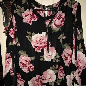 Black Floral Justify Top